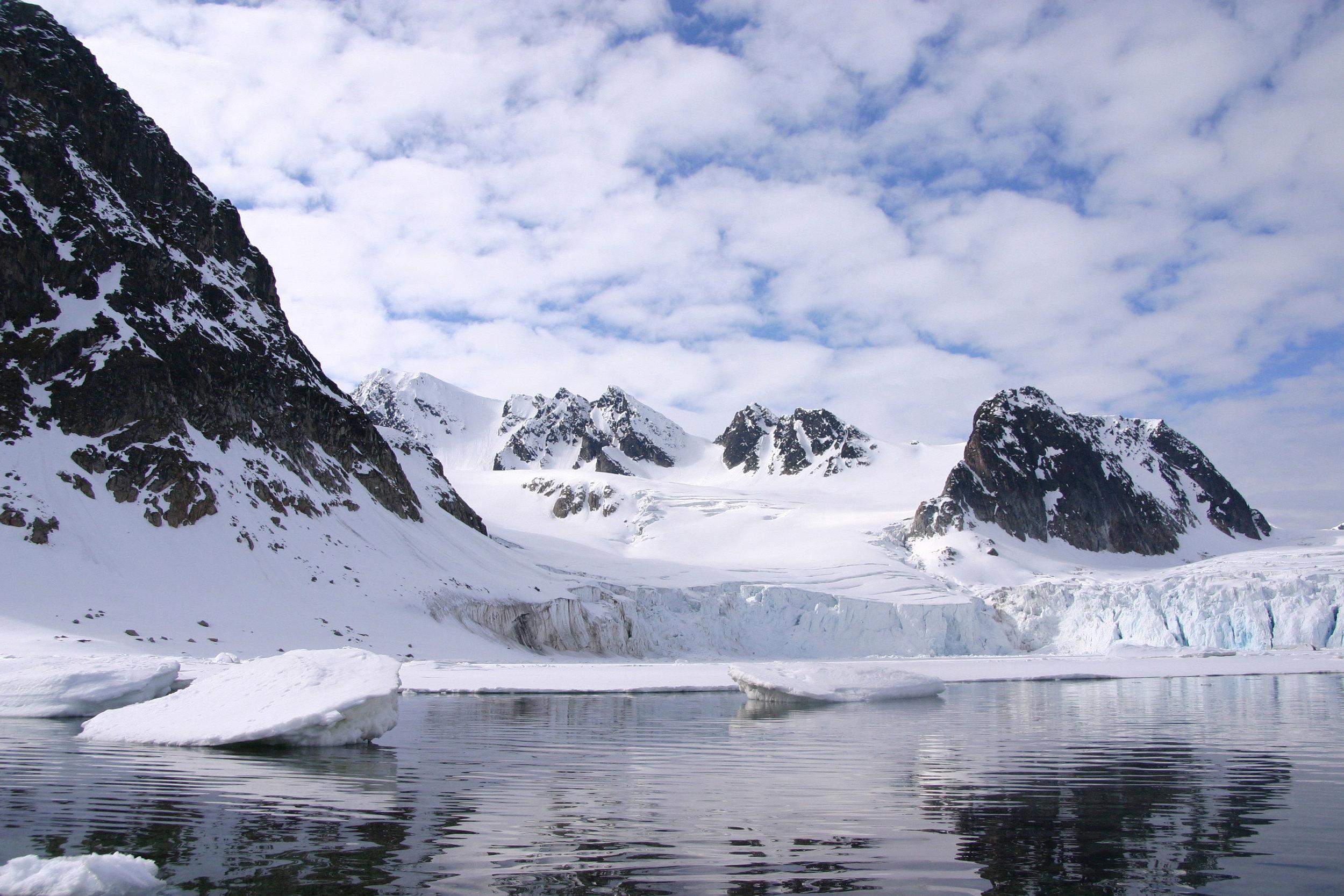 Spitsbergen,-Raudfjorden_Majanda-Hamelink.jpg