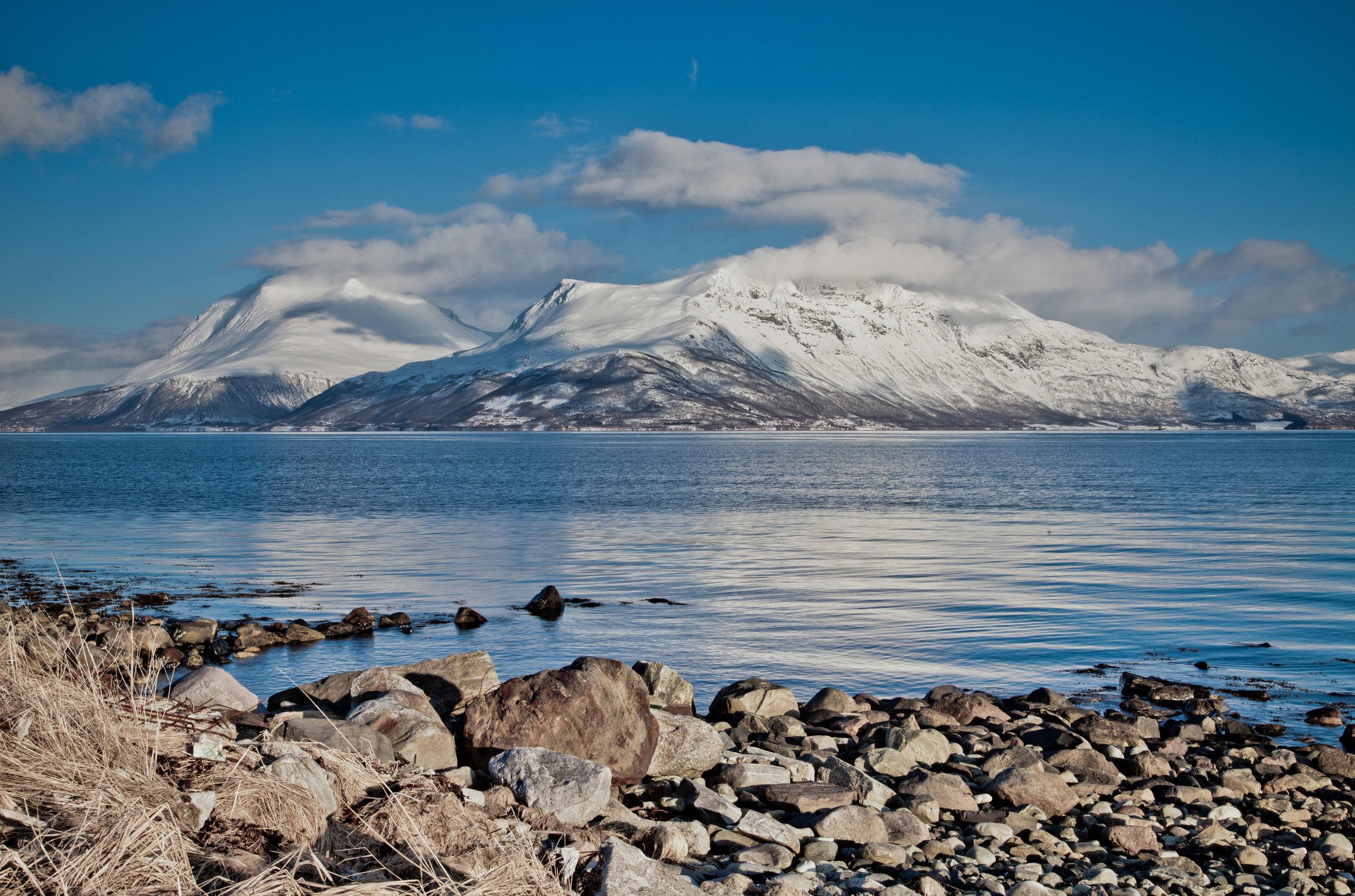 The-Isle-of-Kvaloya,-North-Norway_Mel-Manser.jpg
