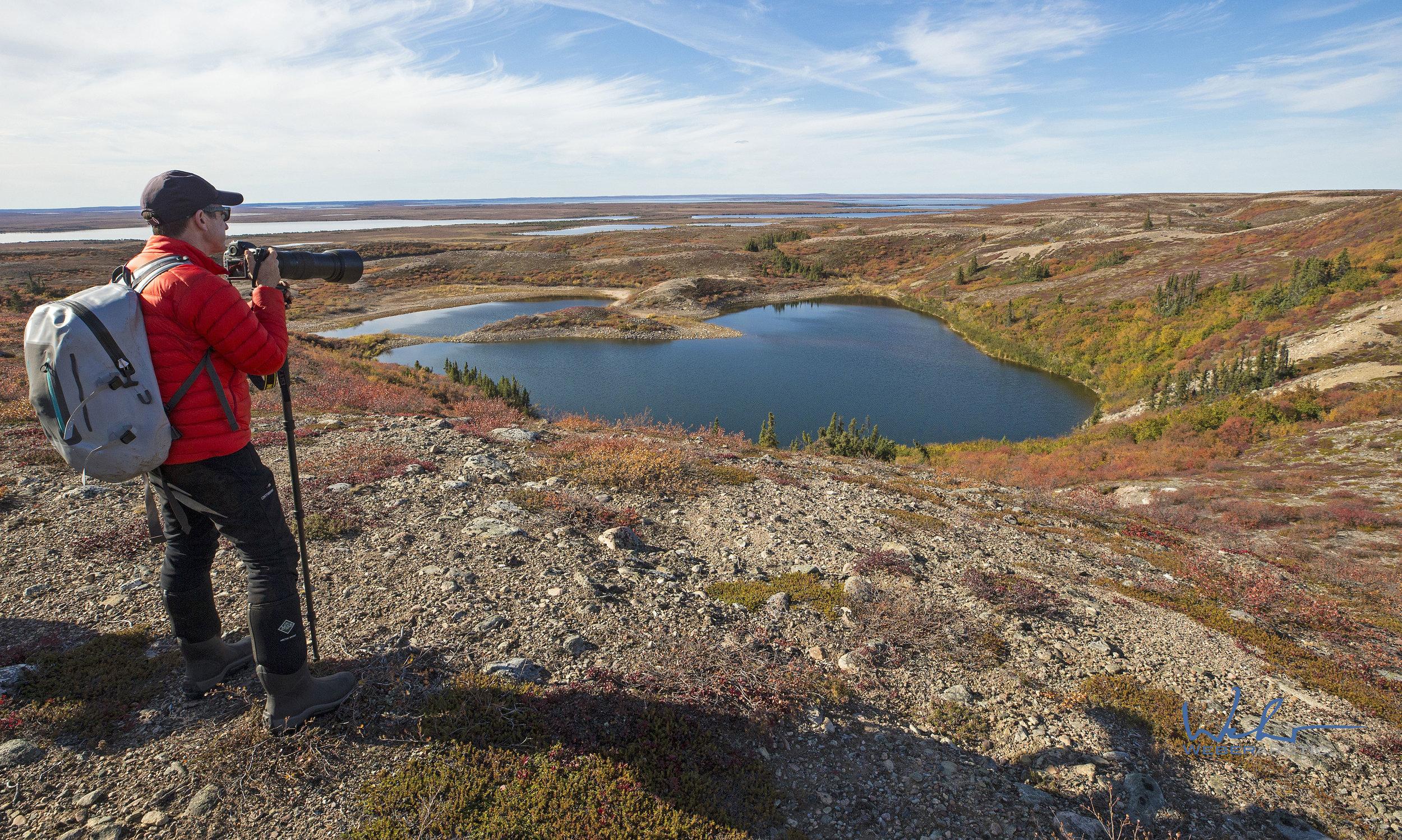 Autumn-tundra-landscapes-while-hiking-.jpg