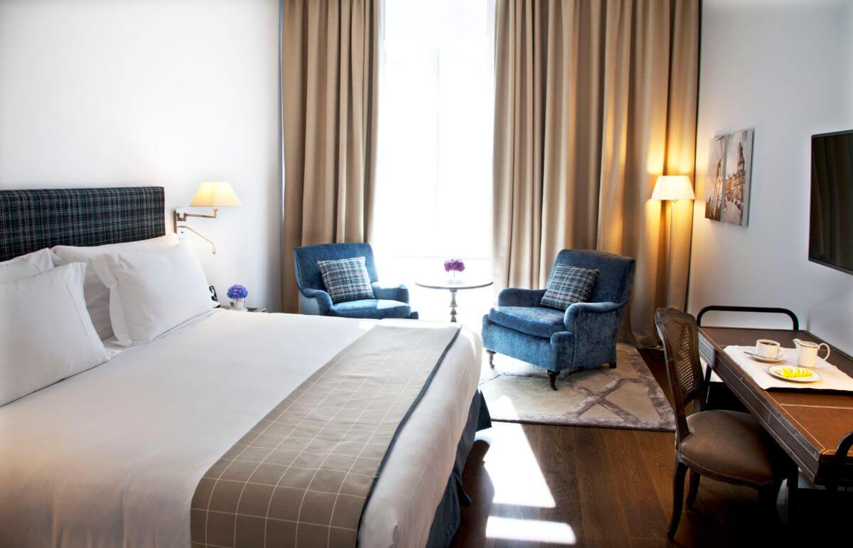 Deluxe-Habitación-03-Urso-Hotel-Spa-1-e1507628373742.jpg