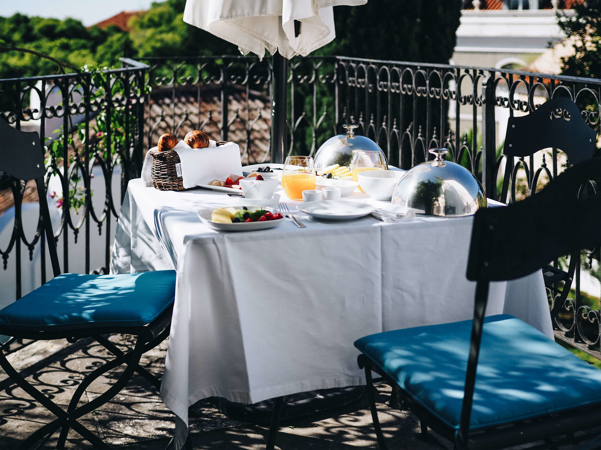 Breakfast in Amadeo de Souza Cardoso suite ┬® Yianis Zahos 4.jpg