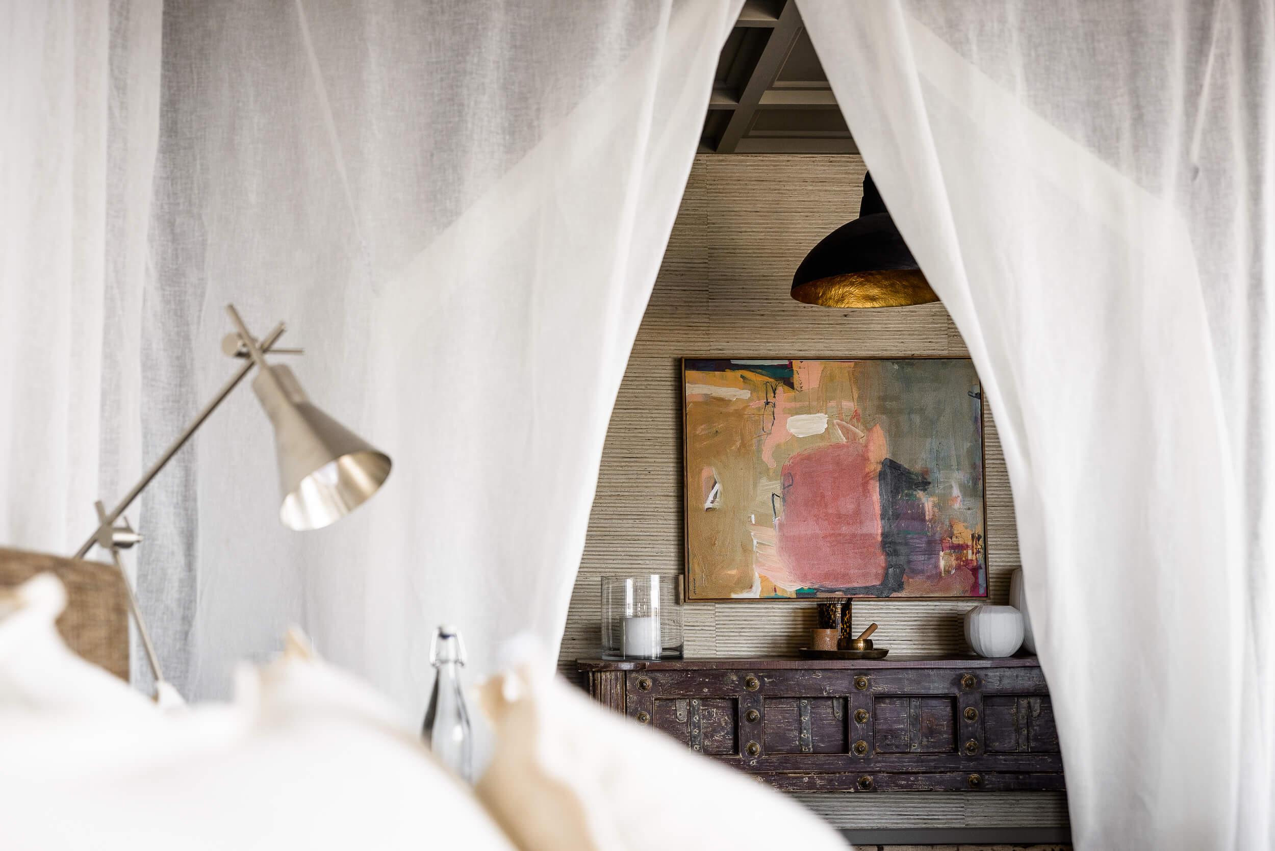 Hillside-Suite-Singita-Sasakwa-Lodge-Bed.jpg