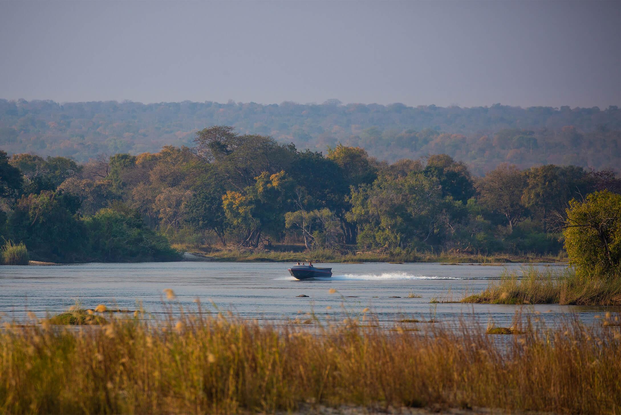 GPZimbabwe-MpalaJena-WildlifeBoating.jpg