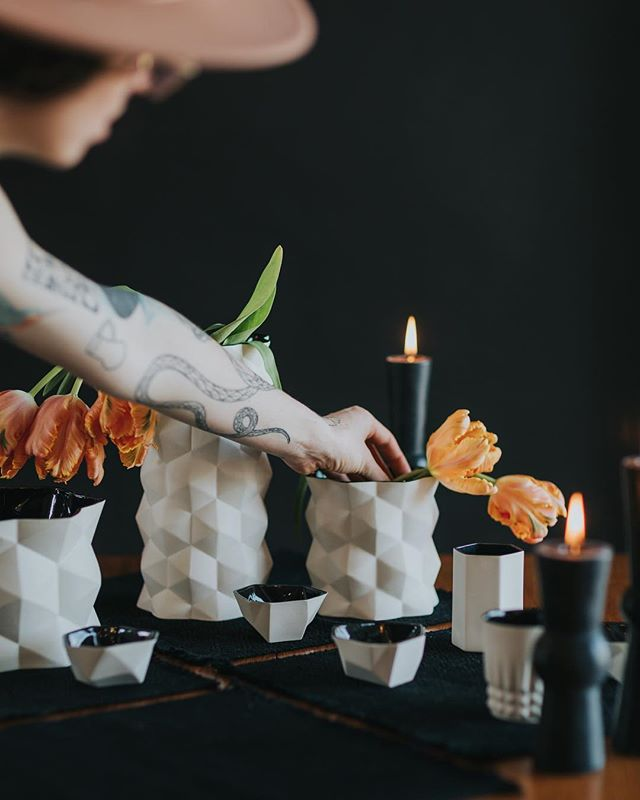 I love getting to collaborate. Here's a behind the scenes moment from a shoot for @modcrmx with styling by @mikalovebug. Placemats by another rad local maker, @clarityelise_wovens. Candles by @greentreehomecandle.