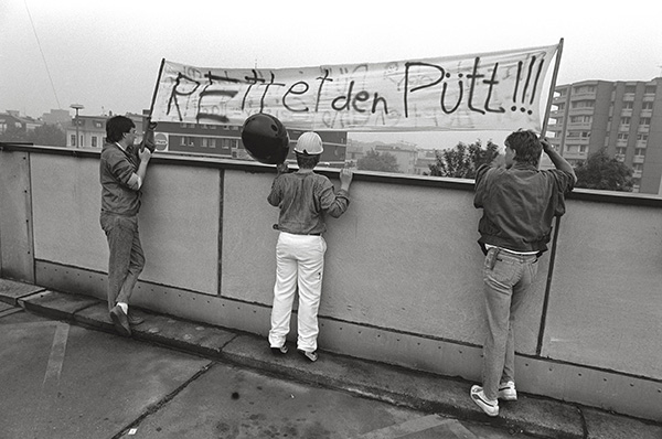 """"""" Rettet den Pütt"""" hat man sich auf die Fahne geschrieben. Bergbau-Krise und kein Ende. Die Hoffnung stirbt zuletzt, heißt es. Aber sie stirbt."""