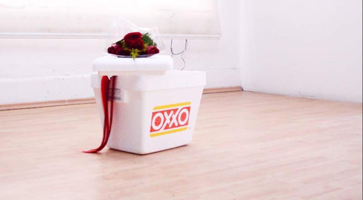 OXXO y rosas