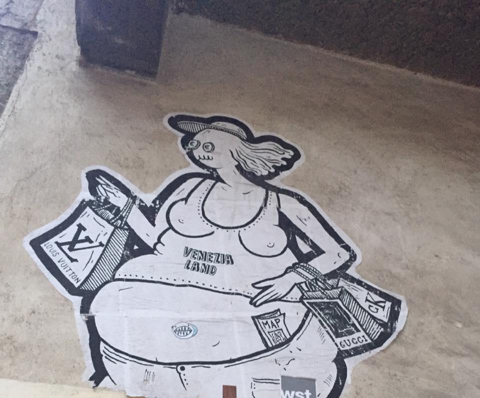 Póster encontrado en un muro de Venecia.