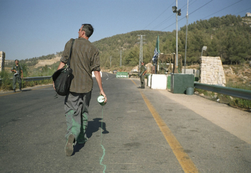 Francis Alÿs, The green line, 2007