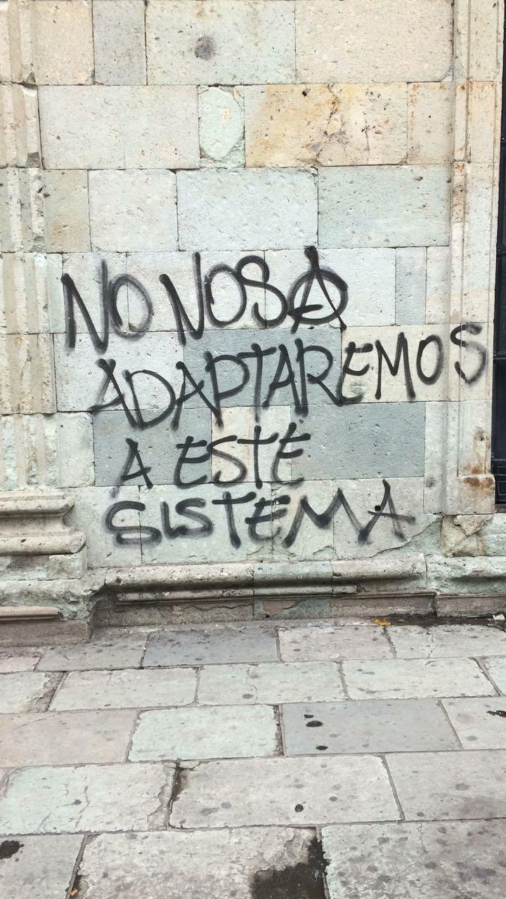Grafiti en la ciudad de Oaxaca. Crédito de la foto: Miguel Ventura.