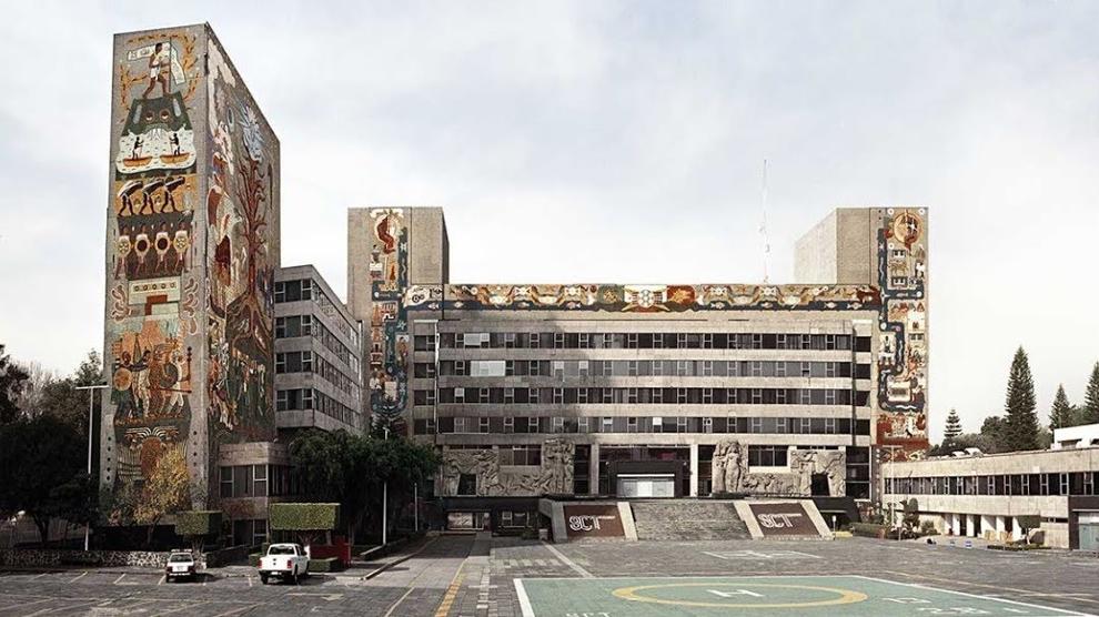 Fachada del del Conjunto de la Secretaría de Comunicaciones y Obras Públicas (ahora Secretaría de Comunicaciones y Transportes) antes del desmantelamiento de los murales.