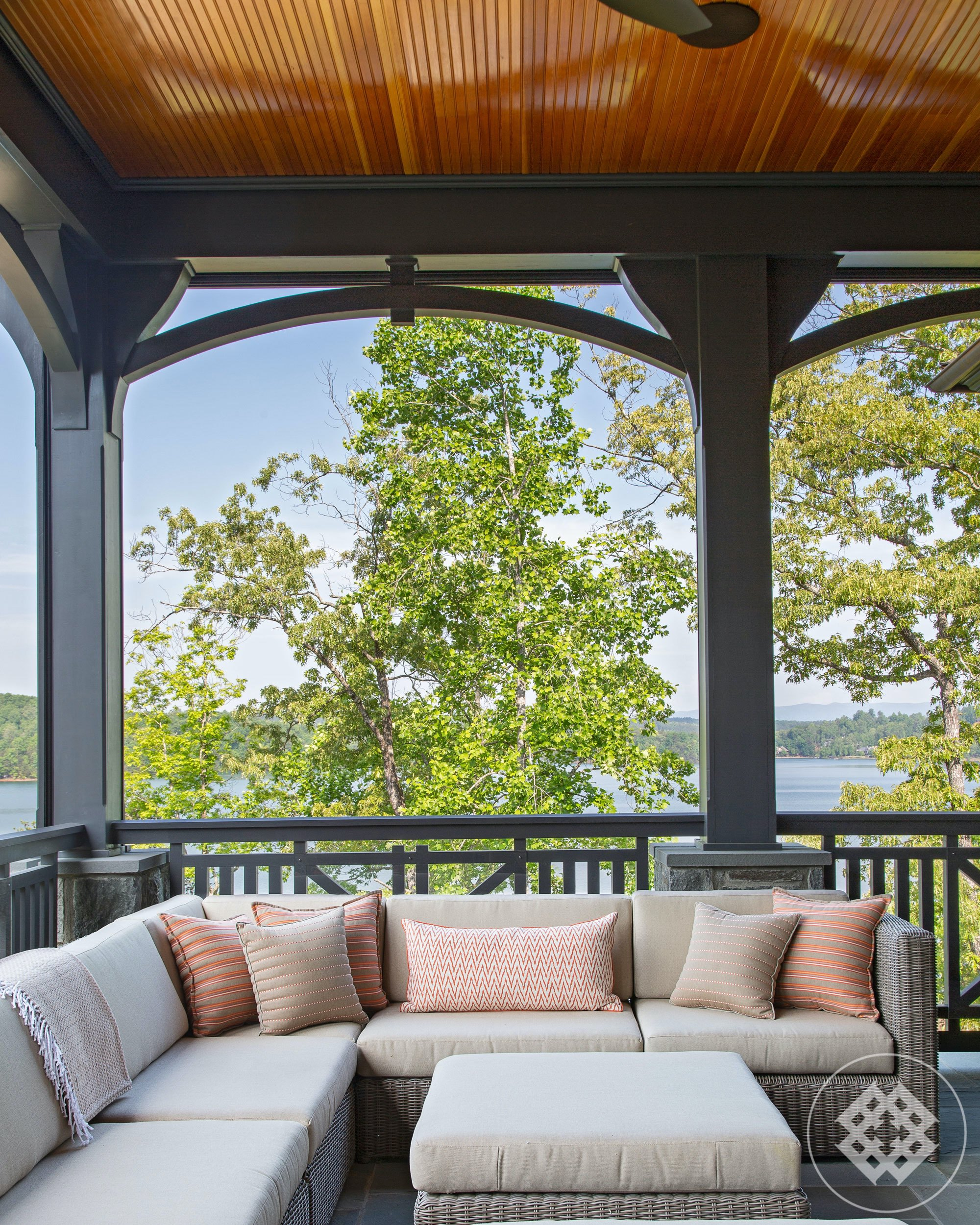 kkl-wicker-outdoor-seating-overlooking-lake-keowee.jpg