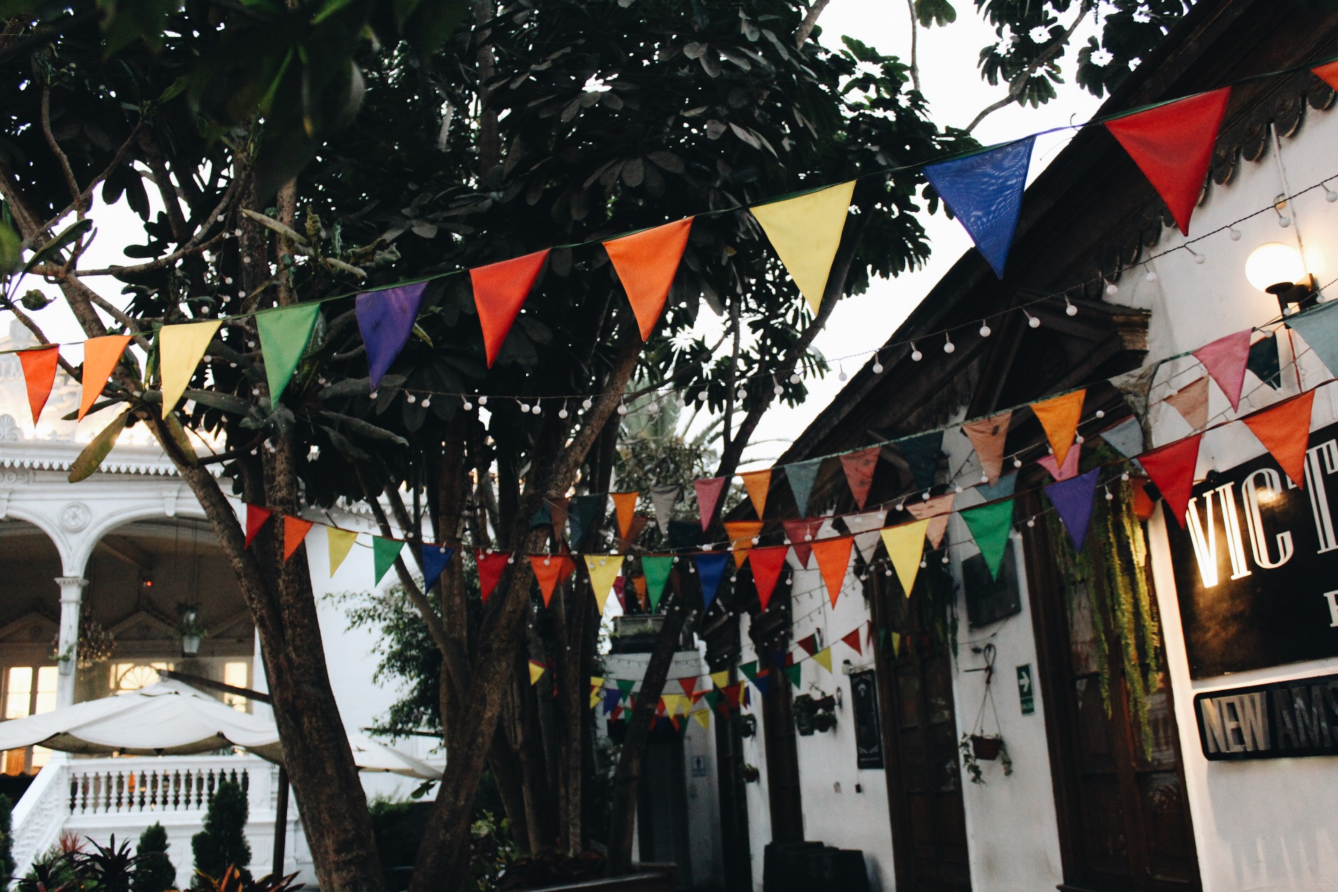 {Barranco square - we saw music, dancing, & artists}