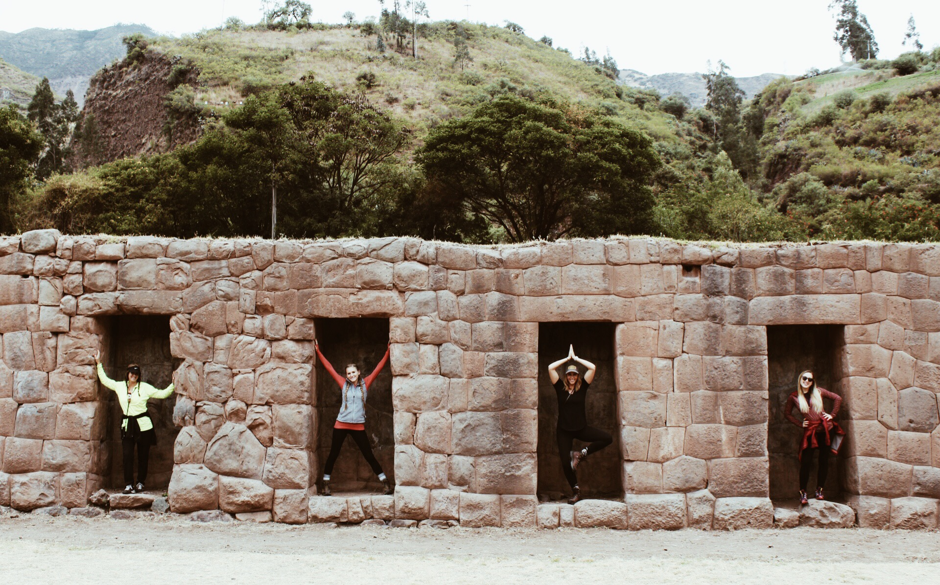 {how to spot Incan arcitechure from a mile away - trapezoidal doorways, no mortar, perfectly cut stone}