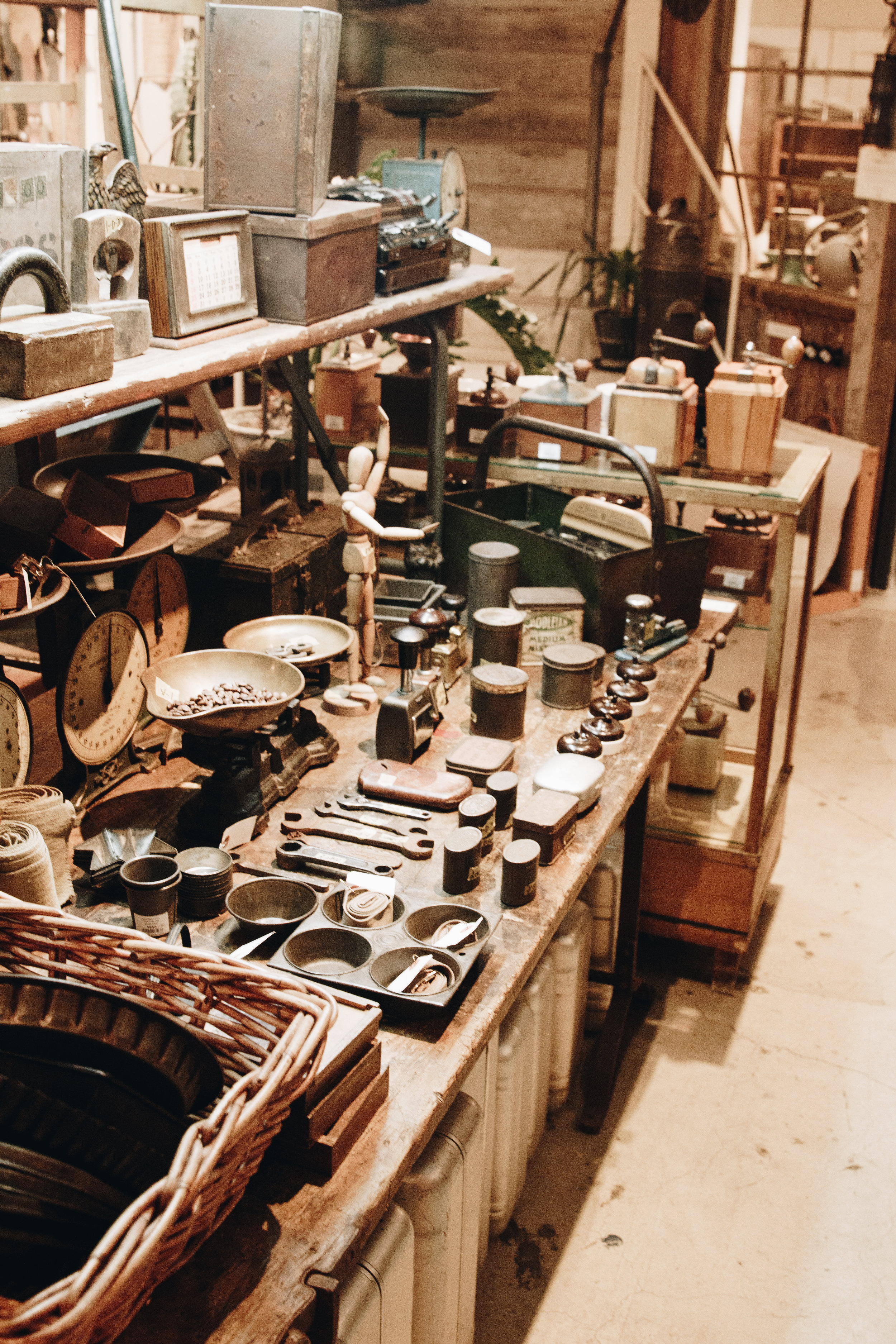 Momokutaki antique shop basement