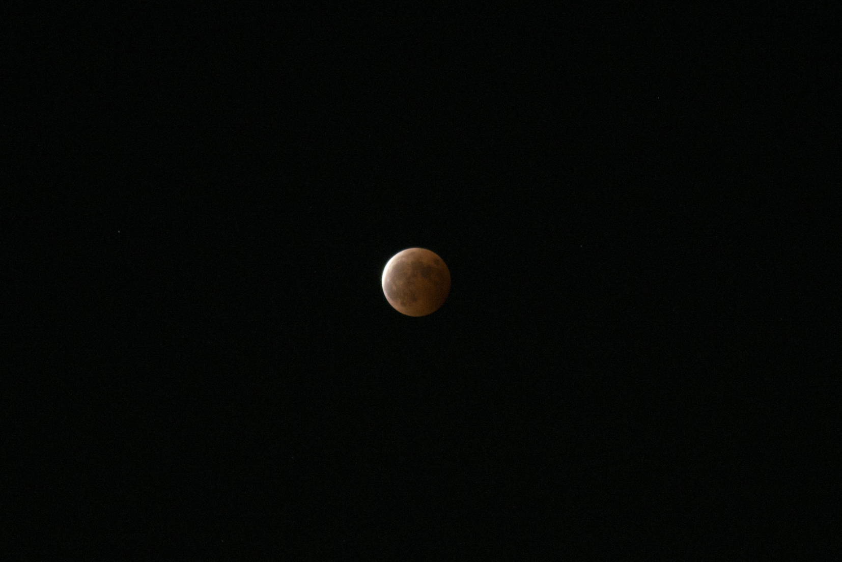 luner eclipse - October 18,2014