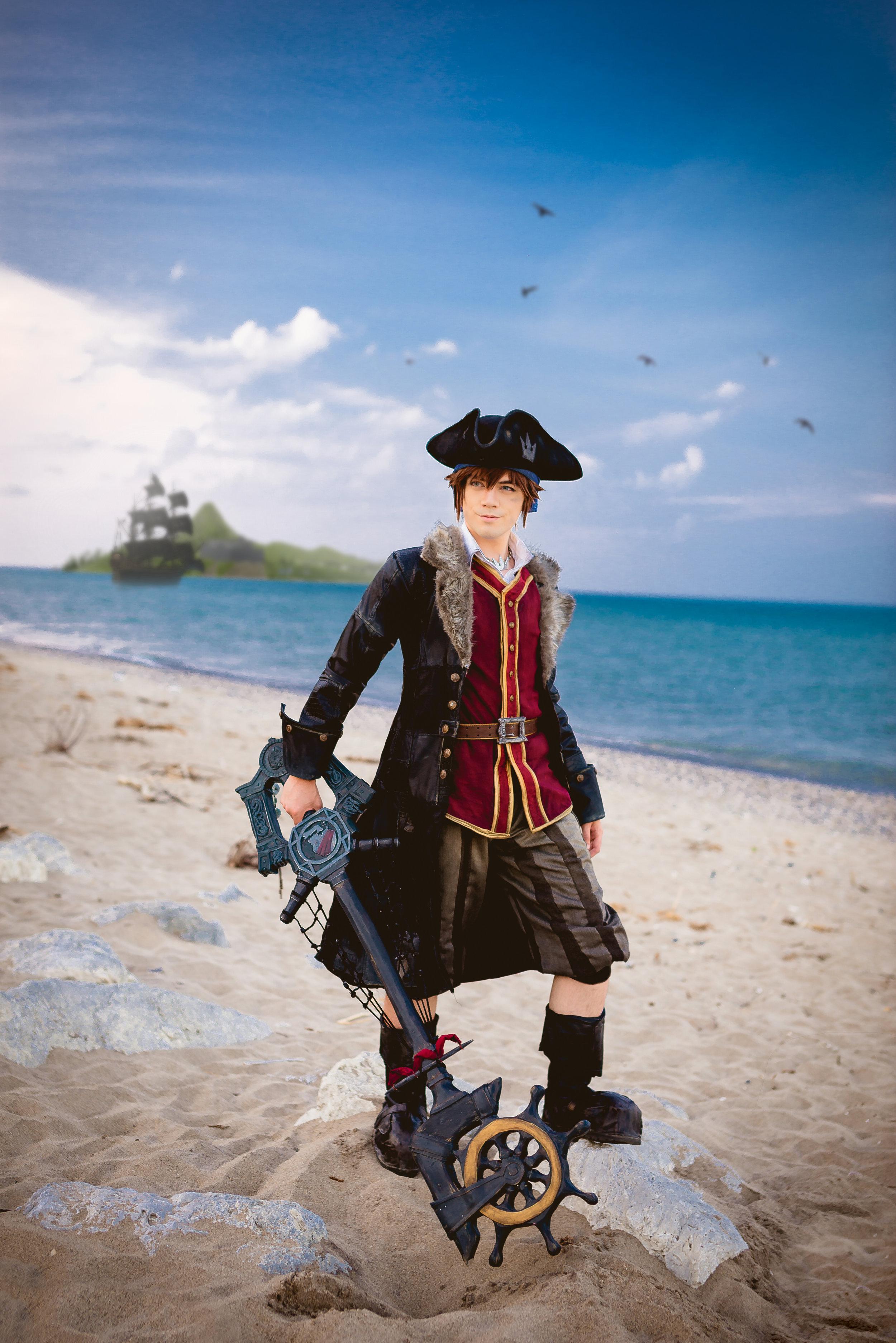 kingdom_hearts_3___pirate_sora_cosplay_by_nipahcos-dcg0hkz.jpg