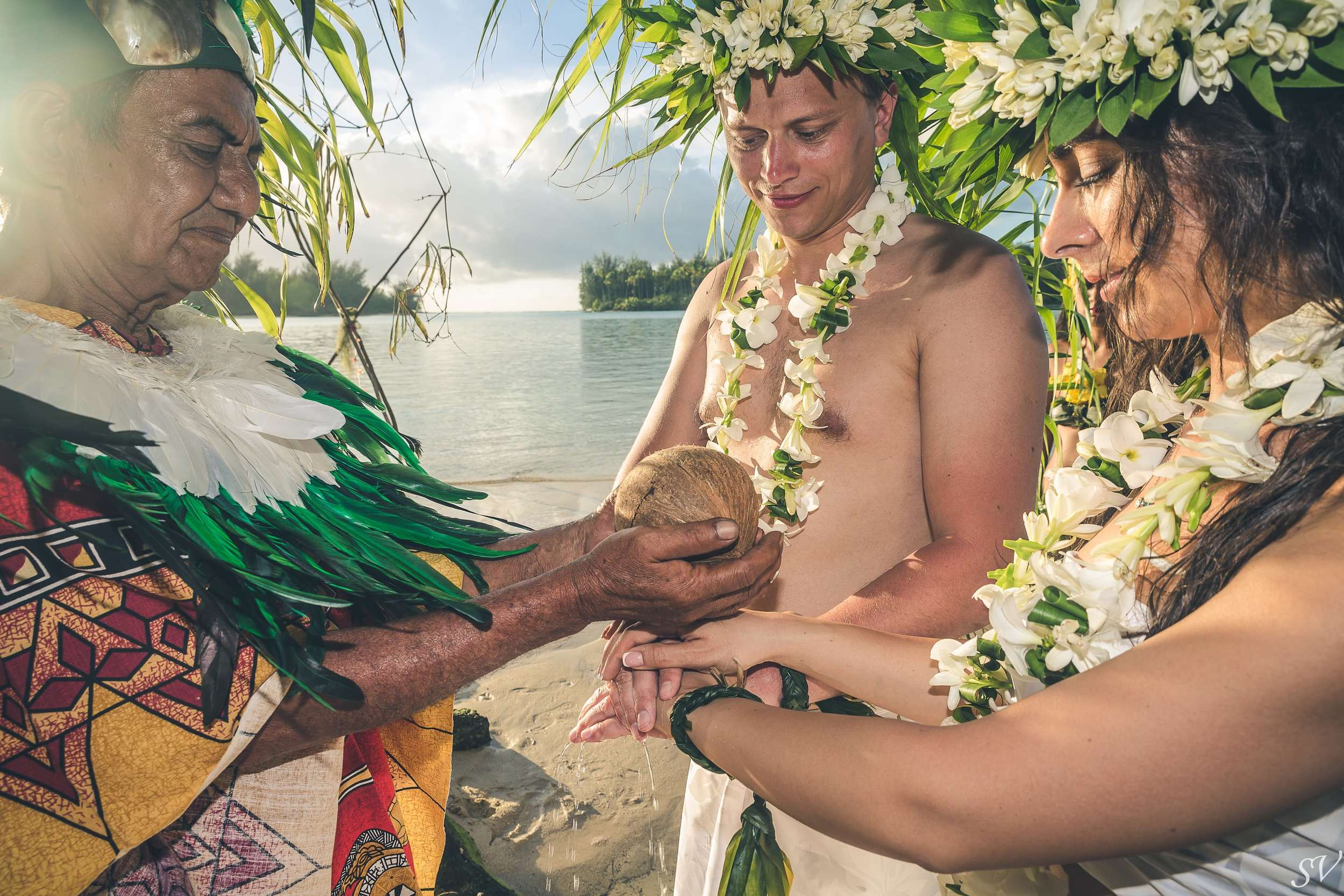 Polynesian priest and the union of two souls
