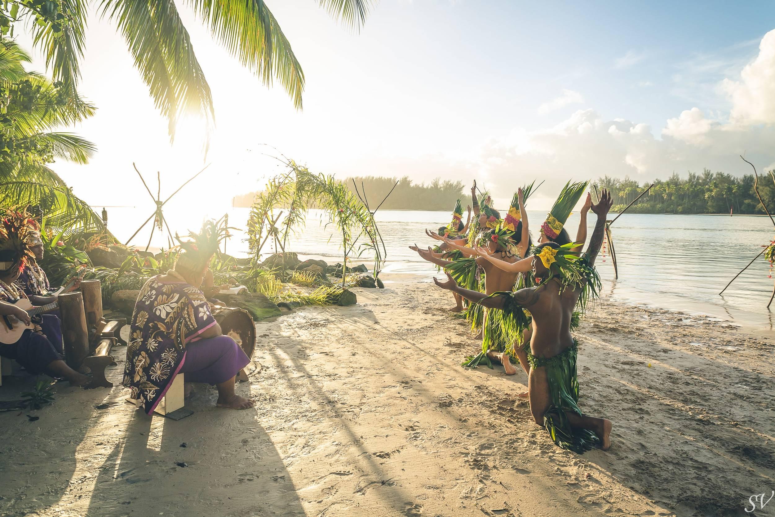 Polynesian dancers during a destination elopement