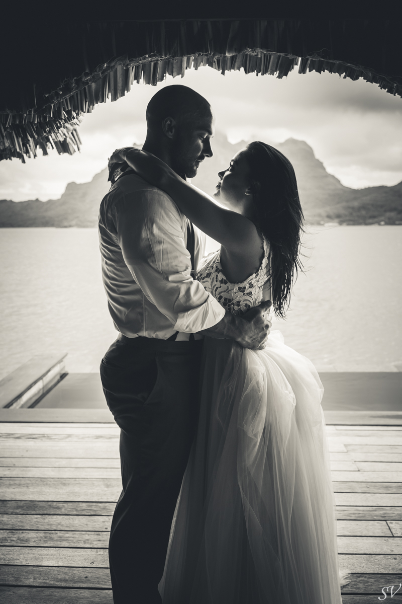 Honeymoon between Katy Hearn and Haydn Schneider photographed by sv photograph at the Four Seasons Bora Bora