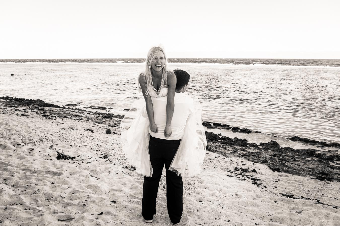 Kristen-Tony-BEACH-150-2.jpg