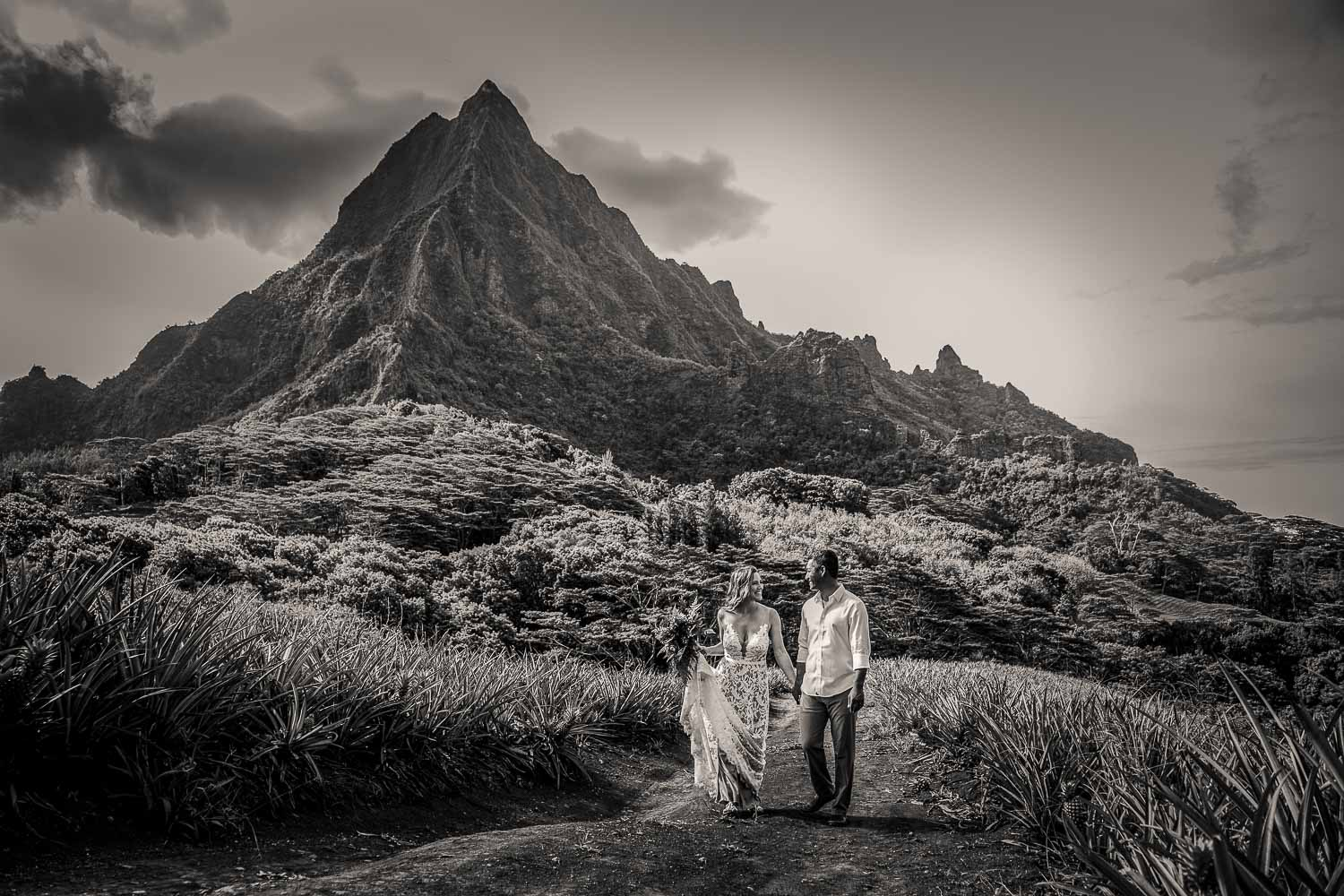 Destination wedding in Moorea, at the Beleveder