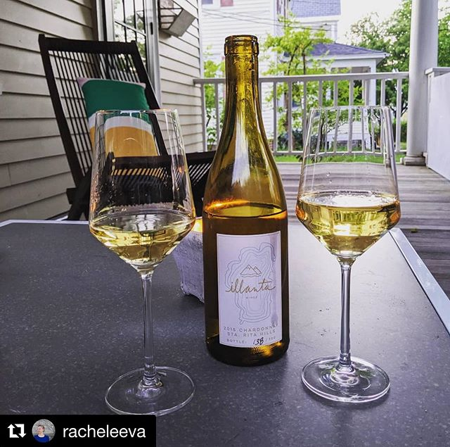 🥂💞✨We love seeing people celebrate with Illanta, thank for sharing!! And, happy anniversary! #Repost @racheleeva ・・・ We may be on the east coast, but we had a lot of #tahoelove last night. Perfect way to celebrate our anniversary!b💕🥂🙏 #illantawines #illanta