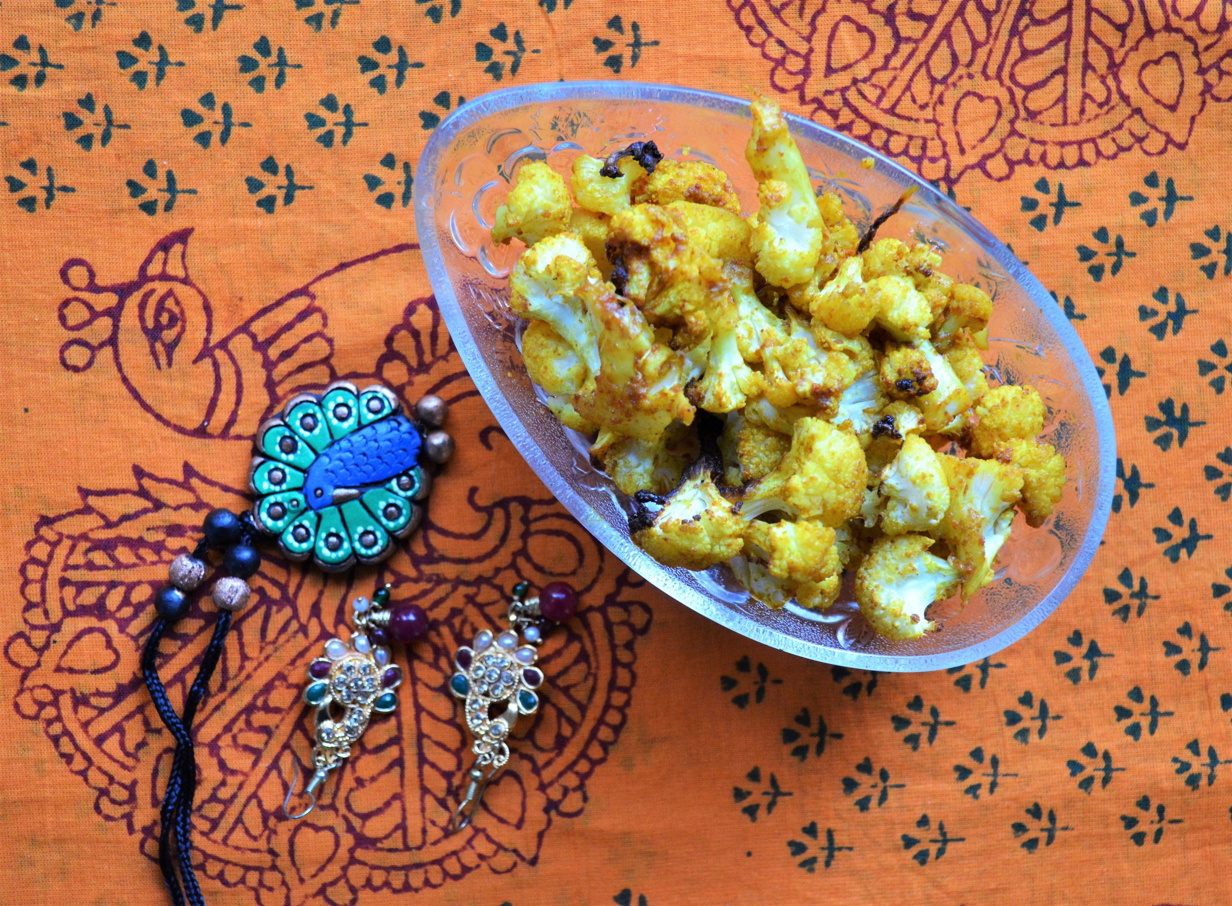 turmeric roast cauliflower, vegan, healthy