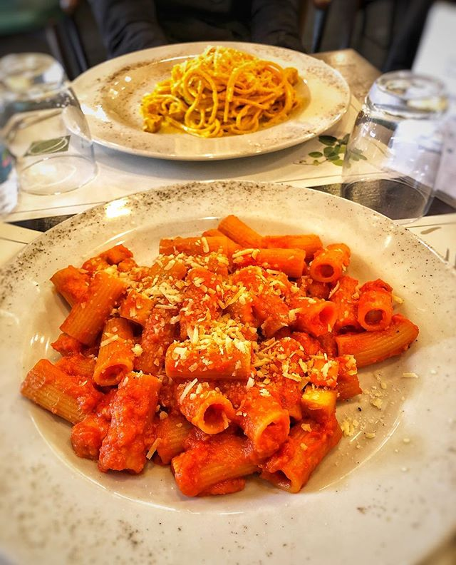 ROME Day 3: After a busy morning cycling around the historic Roman road called the Appian Way, we stopped for lunch at Origano, a place recommended by one of our vegan friends. These two were some of the BEST pasta dishes we'd tried in Rome! A rich tomato rigatoni with vegan cheese and a creamy carbonara subtly spiced with saffron - delicious, filling and very reasonably priced! 🍝 Totally hit the spot and made us feel very happy indeed ☺️ @origanocampodefiori #rome #italy #veganrome #eataly #onelifetwoways #twins #vegan #vegansofig #feedfeedvegan #veganfoodshare #foodblog #indian #recipe #veganrecipe #instafood #instagood #fb #vegansofldn #foodie #huffposttaste #veganworldshare #veganfoodspot #LetsCookVegan #vegantravel #happycow