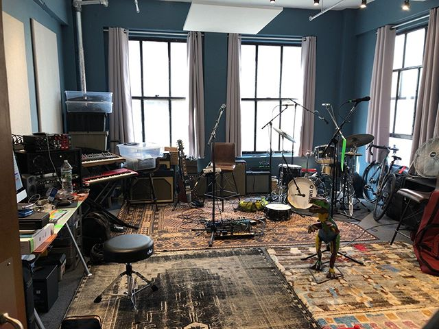 Pour one out for the old, cramped situation we used to practice in and say hello to our beautiful, new space at @TheMusicBuilding! 🍻⠀ Madonna, Joey Ramone, and the New York Dolls used to rehearse here so I'm guessing you can still vacuum up the cocaine leftover from 1982... ☃️