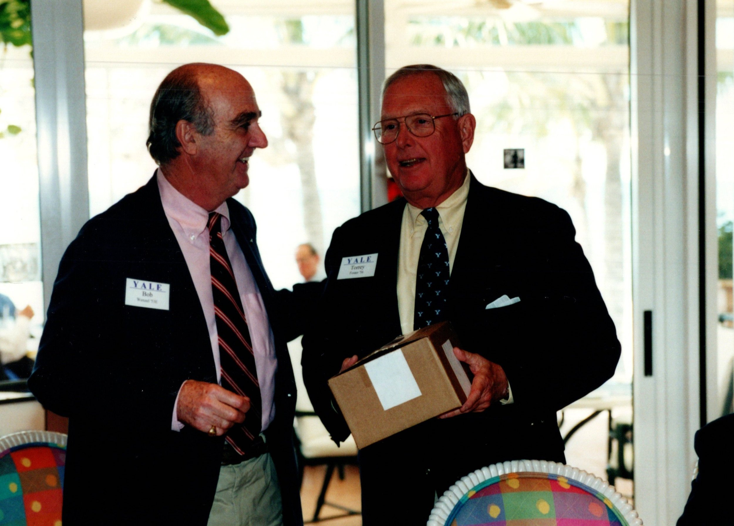 BOB WENZEL RECEIVING PRESIDENT'S CUP FROM TORREY FOSTER