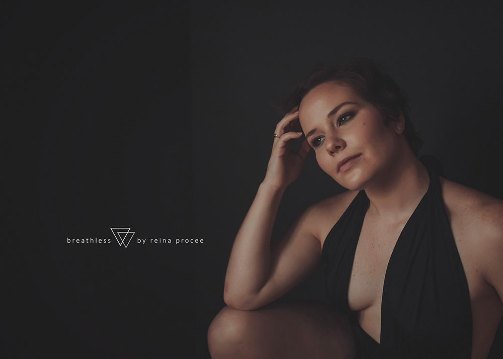 female-feminine-women-portraiture-boudoir-photography-montreal-beautiful-strength-empowerment-portrait-photographe-photographer-erotic-classic-11.png
