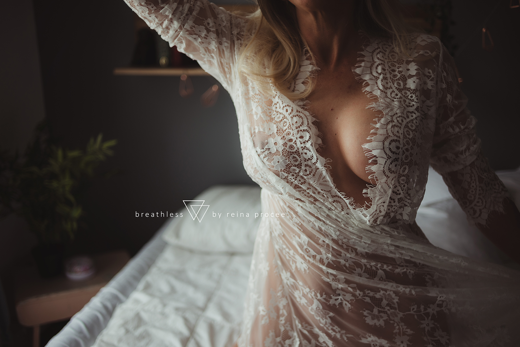 montreal-boudoir-beauty-exotic-empower-women-ladies-comfort-progress-photography-photographer-10.png