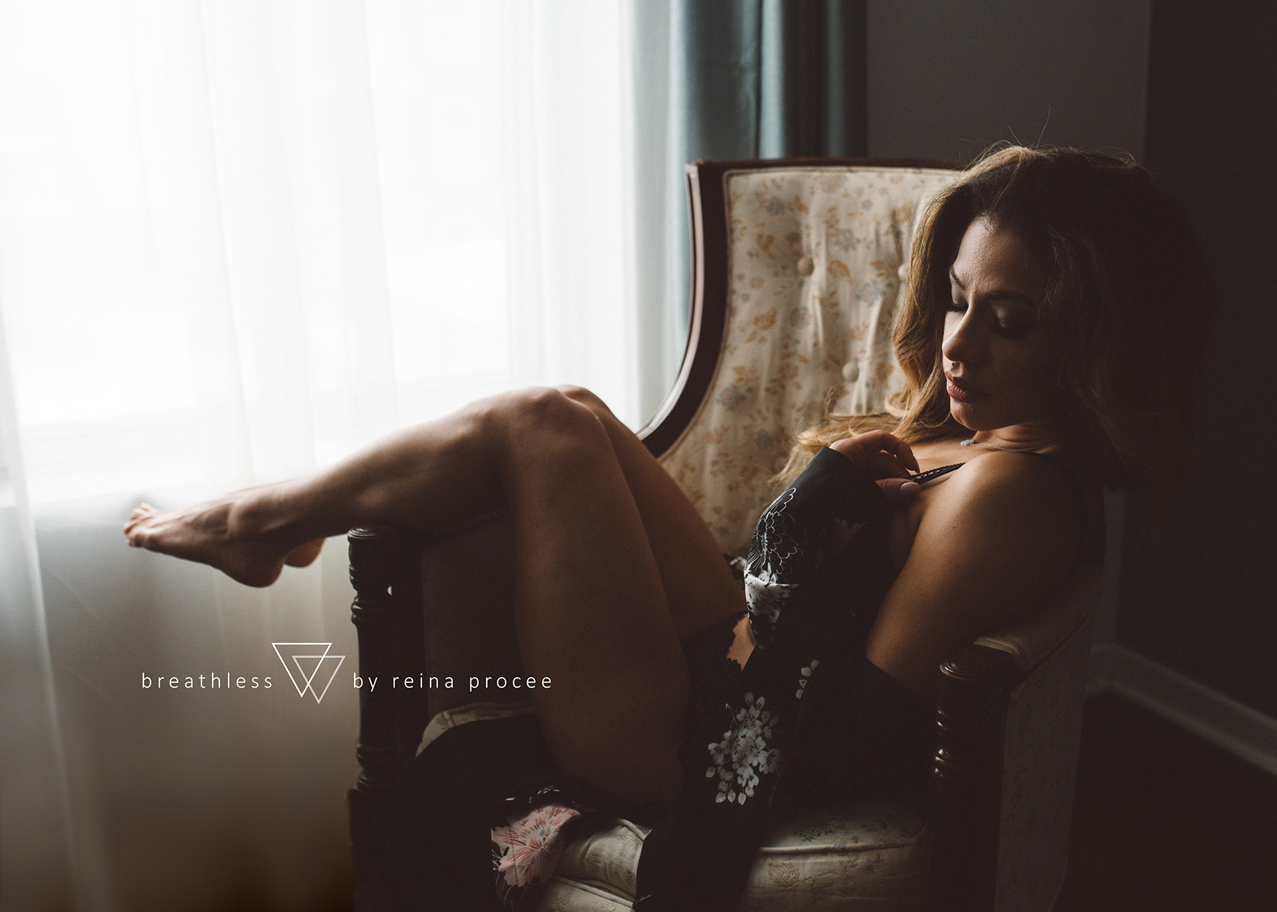 montreal-portraits-head-shots-boudoir-erotic-tasteful-beauty-photos-photography-pictures-37.png