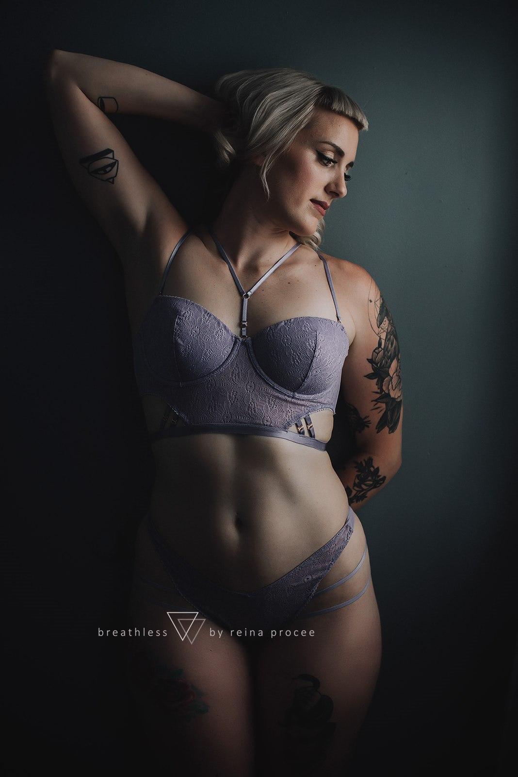 boudoir-photo-shoot-montreal-17.jpg