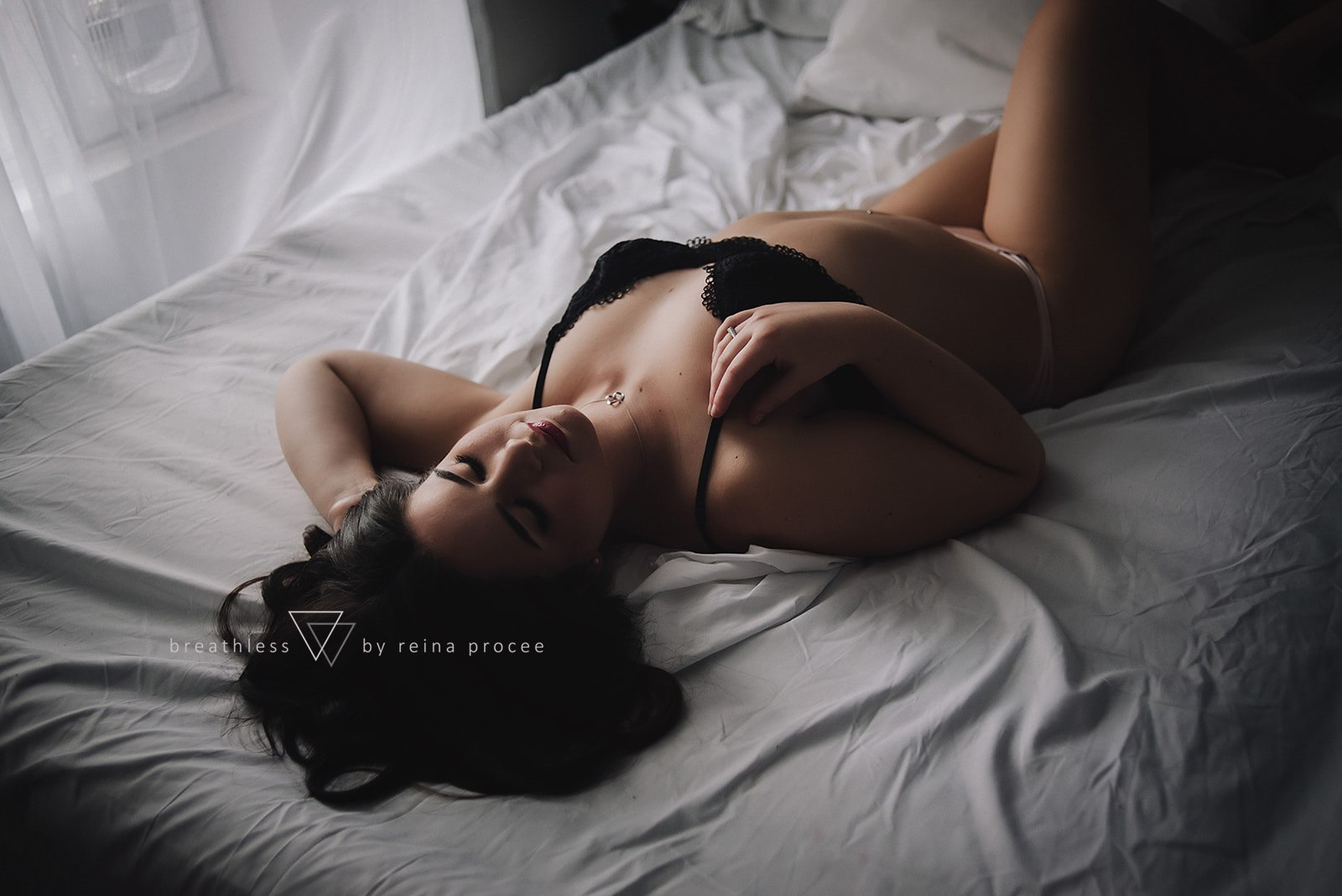 boudoir-photo-shoot-montreal-30.jpg
