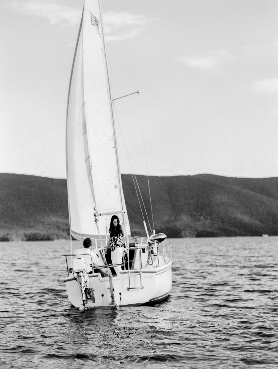 KNS_Megan_Court_Sailboat_Engagament_Photography-1.jpg