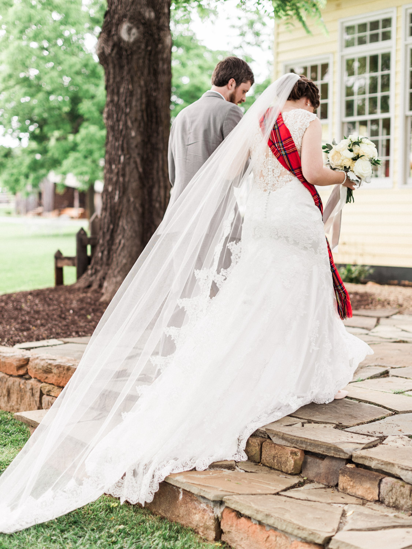 Lynchburg Virginia | Sorella Farms | Charlottesville Virginia | Wedding Photographer | Kelsey & Nate | kelseyandnate.com | Scottish Wedding with Tartan