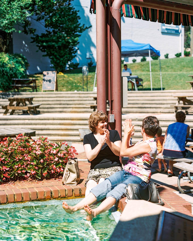 Downtown Lynchburg Community Market   Farmer's Market   Lynchburg Virginia Photographer   Kelsey & Nate   kelseyandnate.com