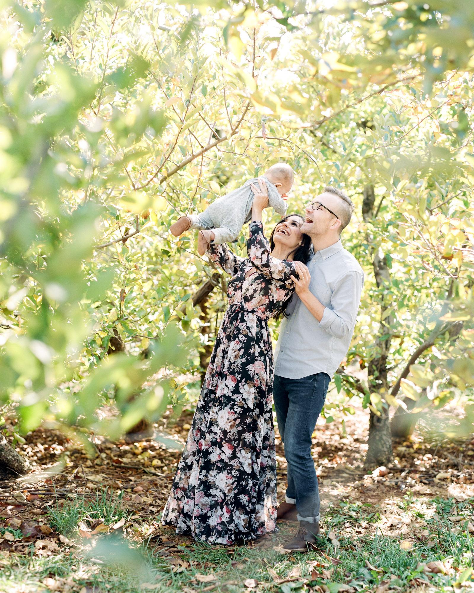 Charlottesville_Charlotte_North_Carolina_Richmond_Virginia_Family_Wedding_Film_Photographer-14.jpg