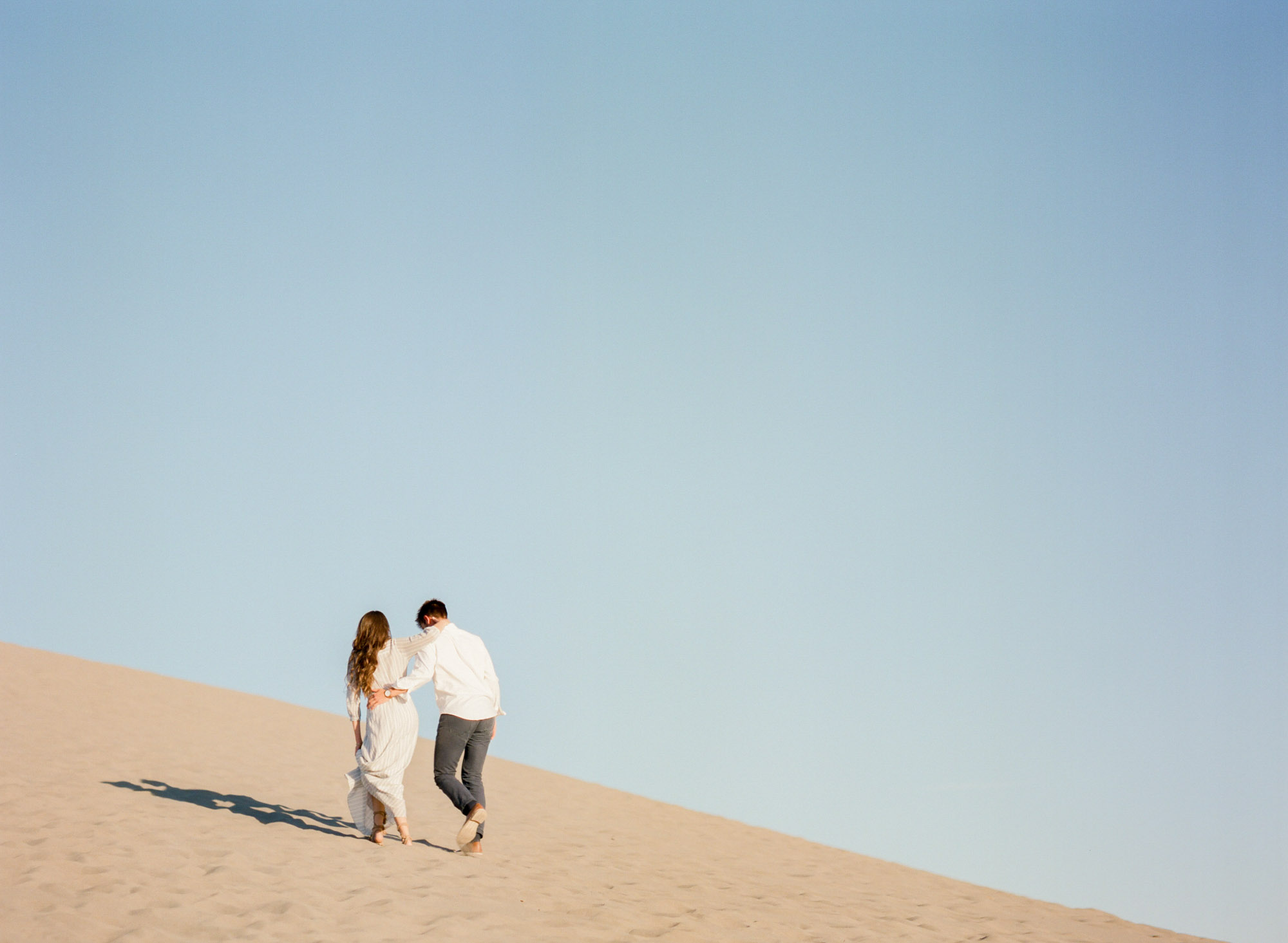 sand_dunes_bruneau_idaho_lynchburg_charlottesville_richmond_film_wedding_photographer-3.jpg