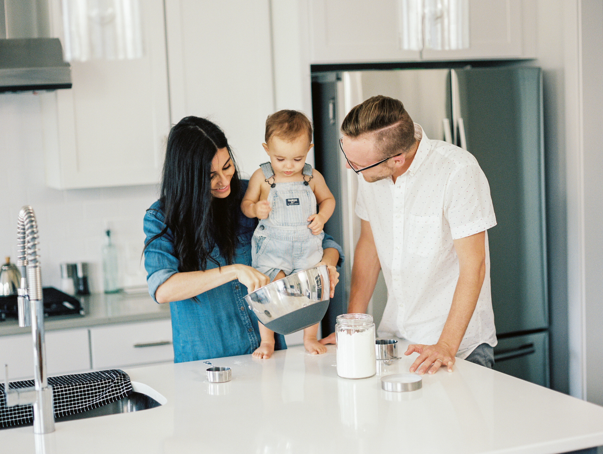 Lynchburg_DC_family_wedding_film_photographer_white_kitchen_baby_announcement-11.jpg