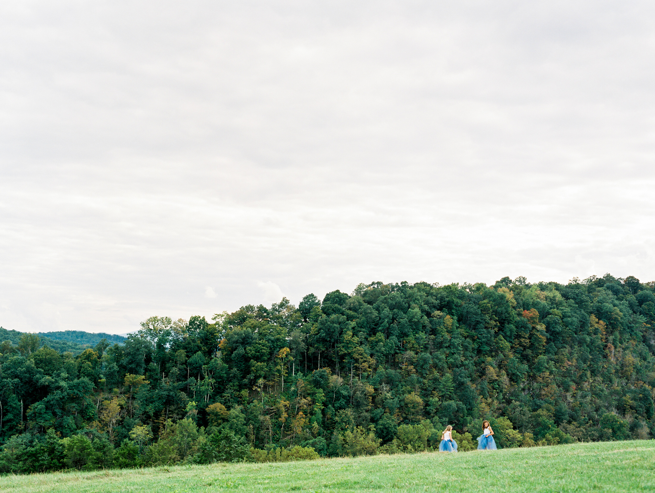 Charlotte-Film-Wedding_Photographer-heartstone-lodge-virginia-13.jpg