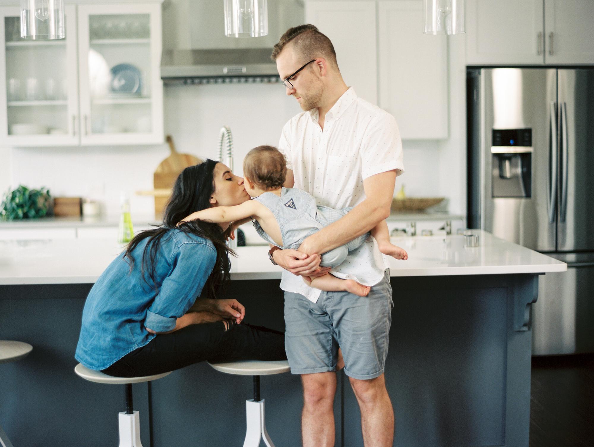Lynchburg_DC_family_wedding_film_photographer_white_kitchen_baby_announcement-35.jpg
