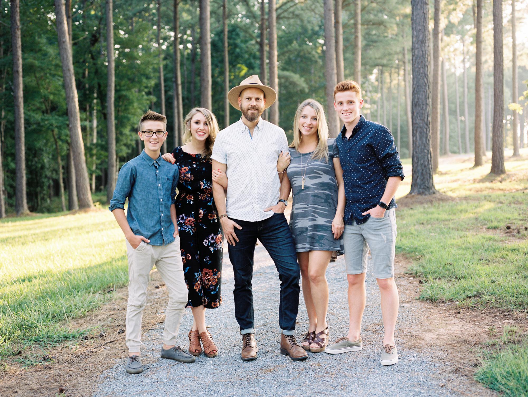 sierra-vista-family-session-charlotte-best-photographer-wedding-family-7.jpg