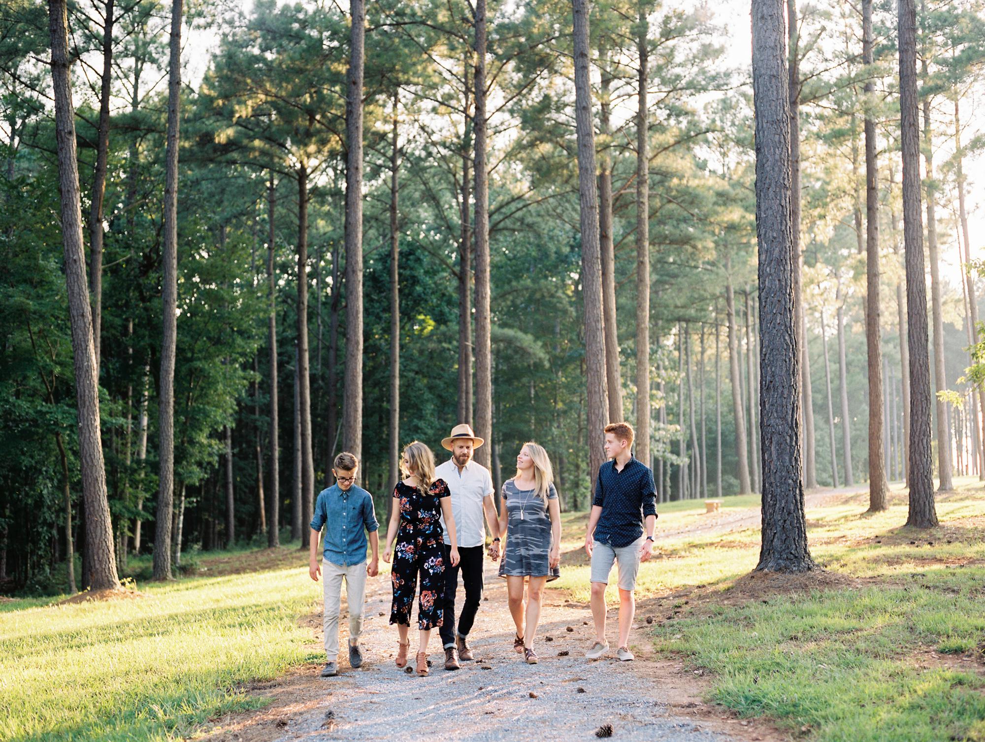 sierra-vista-family-session-charlotte-best-photographer-wedding-family-10.jpg