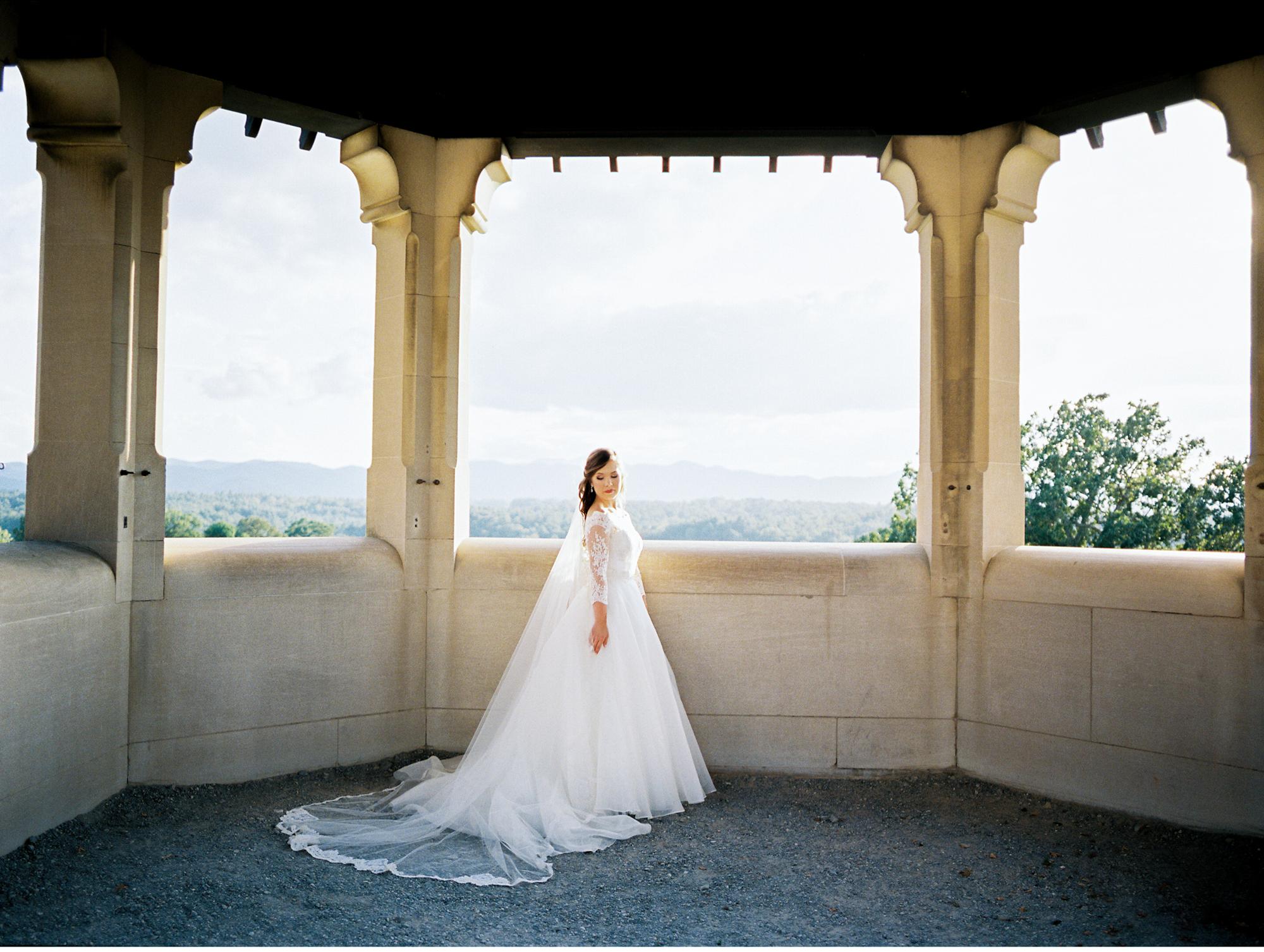 timeless-classy-cathedral-veil-bridal-session-biltmore-north-carolina-wedding-film-photographer-8.jpg