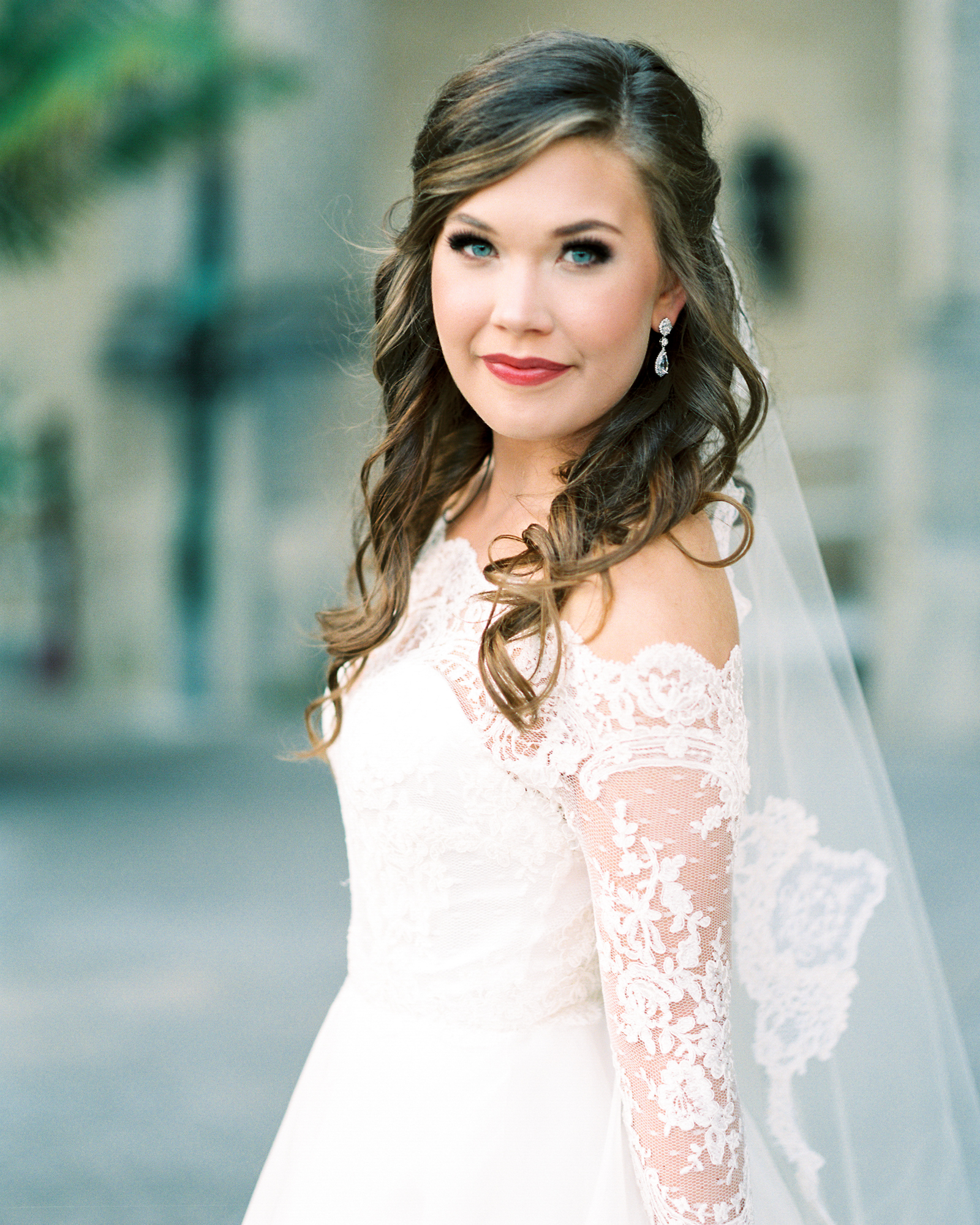 timeless-classy-cathedral-veil-bridal-session-biltmore-north-carolina-wedding-film-photographer-9.jpg