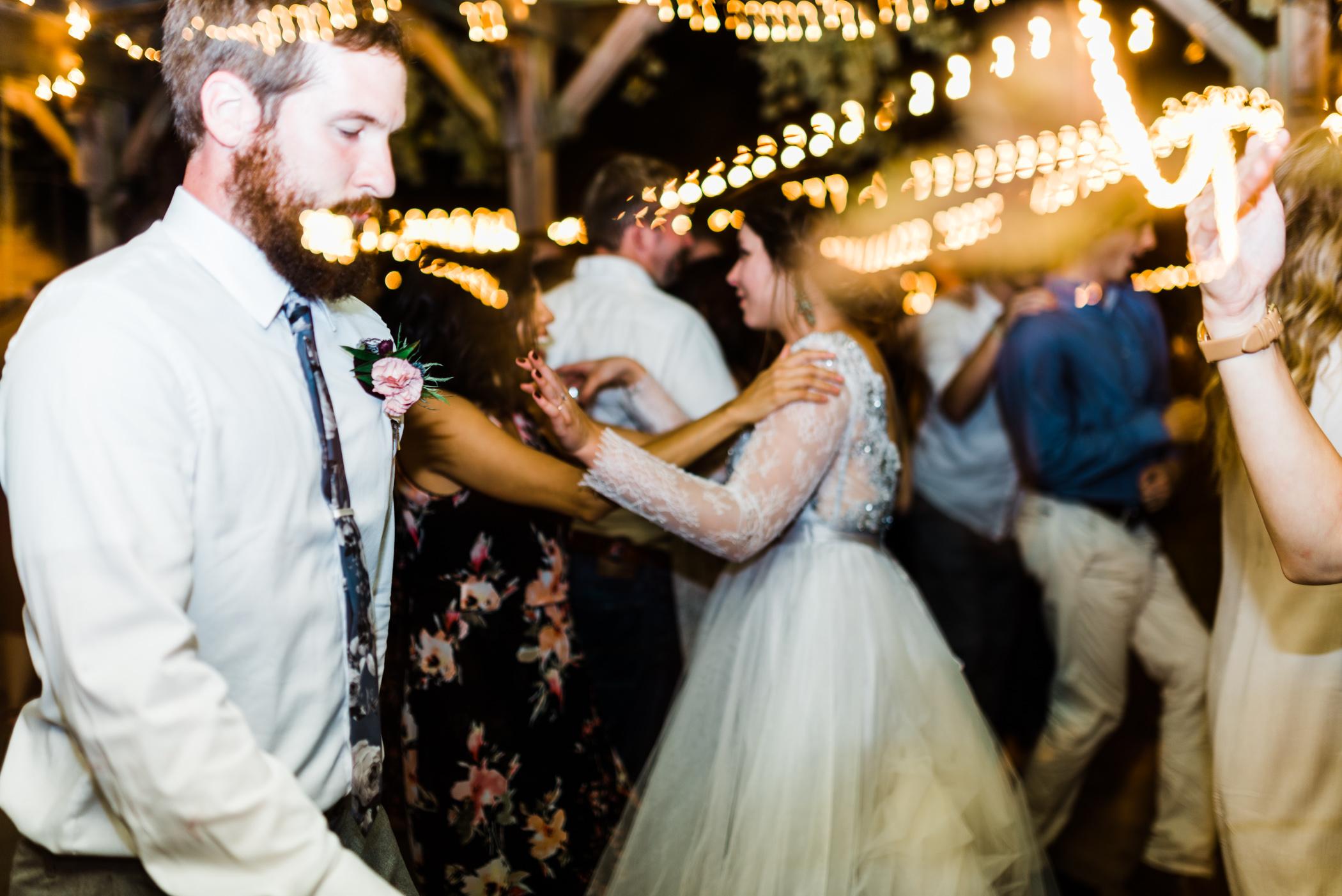 Charlotte-Film-Wedding_Photographer-heartstone-lodge-virginia-55.jpg
