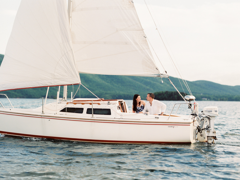 smith-mountain-lake-sailboat-engagement-session-charlotte-sailing-photographer-10.jpg