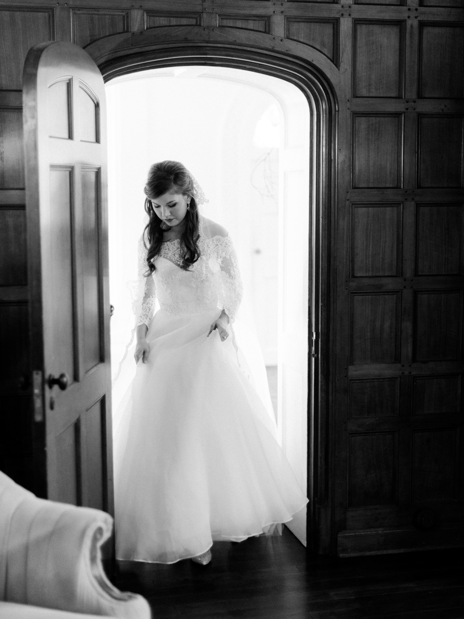 charlseton-south-carolina-wedding-family-photographer-charlotte-gassaway-mansion-elegant-timeless-greenville-12.jpg